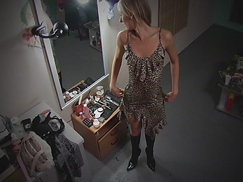 Dishy babe filmed when dressing!
